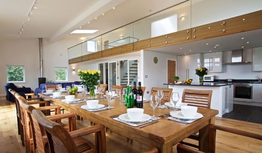 Swell Coast And Country Cottages Agency Salcombe Visit South Download Free Architecture Designs Scobabritishbridgeorg
