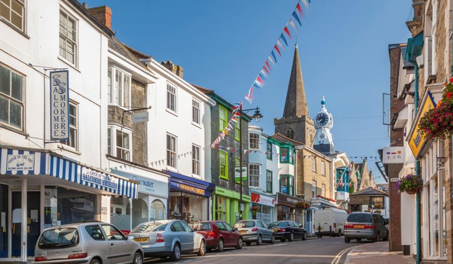 Kingsbridge market town visit south devon for Kingsbridge house