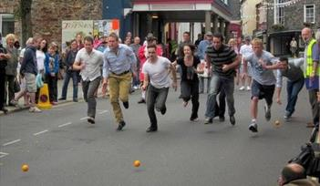 Totnes Orange Races